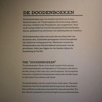 Informatiebord over de doodenboeken
