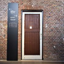 Originele deur van een ruimte van de toenmalige bewaarders/ administratie