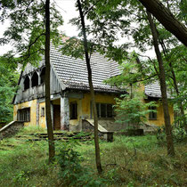 Huis naast huis van kampcommandant