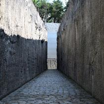 Weg naar Memorial Monument Belzec - Tussen de massagraven - einde