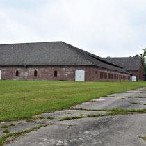 Achterkant steenfabriek links