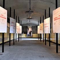 22. Voormalige keuken - nu tentoonstelling met overlijdingsberichten van gevangenen