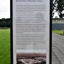 Informatiebord over voormalige gevangenis