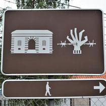 03. Bord met verwijzing naar Fort van Breendonk