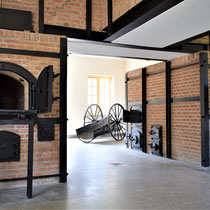 65) Overzicht verbrandingsovens in crematorium