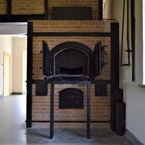 66) Rechter verbrandingsoven in crematorium