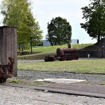 SS bunker rechts voor de ingang van het kamp
