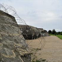 87. Buitenterrein van het Fort - rechtsachter