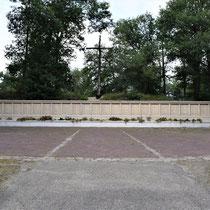 94) Monument bij fusilladeplaats - Vanaf 1944 werden hier 329 verzetsstrijders geëxecuteerd