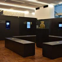 33. Overzicht vaste tentoonstelling op de tweede verdieping