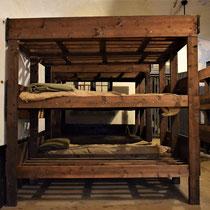 50. Slaapplaatsen in de barakken