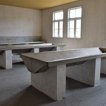 29) Wasruimte voor gevangenen in Barak 13B
