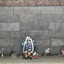 Fusillade muur Auschwitz