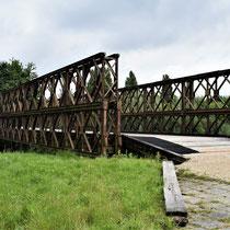 110. Oude brug aan de linkerkant van het Fort