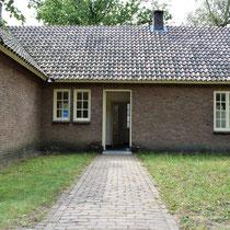 46) Ingang crematorium