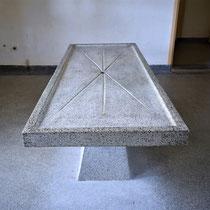 57) Originele autopsietafel in sectieruimte van het crematorium