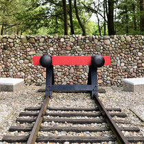 Monument einde van de rails