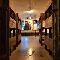 48. Een van de barakken voor de gevangenen