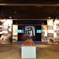 74. In een van de voormalige jodenbarakken - gebouwd in de zomer van 1941 - nu informatieruimte