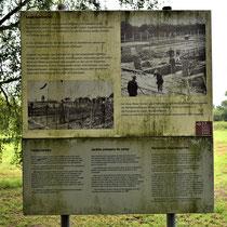 Informatiebord over voormalige barak voor kinderopvang