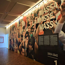 23. Vaste tentoonstelling op  de eerste verdieping - over de periode van 1919-1940