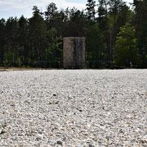 Massagraf Sobibor met Momorial Monument