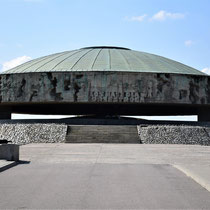 Memorial Monument Majdanek - eind kamp