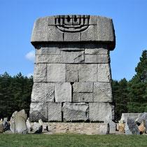 Memorial Monument Treblinka - achterkant dichtbij