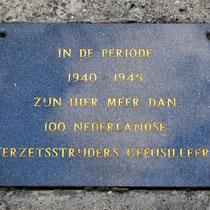 Herdenkingssteen voor de Nederlanders die gefusilleerd zijn