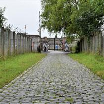 02. Toegangsweg naar Fort van Breendonk