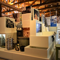 81) Overzicht van expositie in Barak 1B