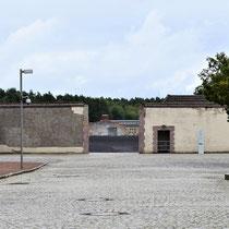 Ingang gevangenenkamp