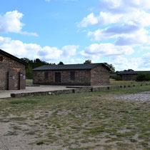 Russisch kamp - zicht vanaf ingang naar einde kamp