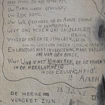 Teksten op de muur van cel 601 ingekrast door voormalige gevangenen