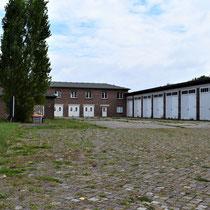 SS garages - met daarnaast het SS postkantoor