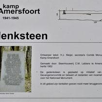 Informatiebord over gedenksteen