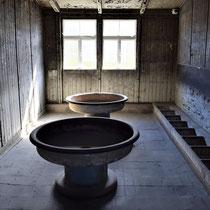 In gevangenenbarak - wasruimte