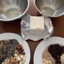 Zutaten für Fettfutterknödel, Foto: schlaubatz