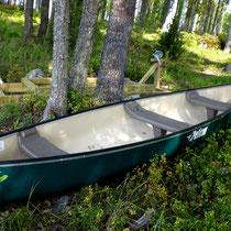 Unternehmen Sie mit unserem Kanu Touren in die weitläufigen Inselwelten des Päijänne See Nationalparks direkt vor Ihrem Ferienhaus.
