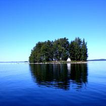 Eine der 50 Inseln und Schären des großen, naturgeschützten Archipels vor Ihrem Hasu.
