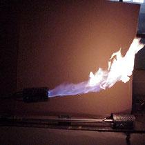 Luntenbrenner mit Flamme