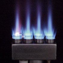 Kompaktbrenner mit Flamme
