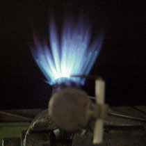 Edelstahlausfürung mit Flamme