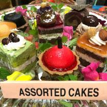 ロシアとブータン料理 ⑥ Assorted cakes