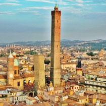 Bologna-Vista Panoramica e Due Torri