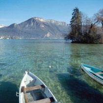 Annecy - Le lac d'Annecy avec le mont Veyrier.