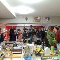 EuroLingualクリスマスパーティー2013  乾杯