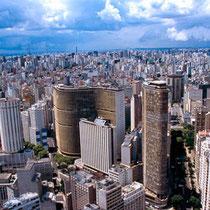 São Paulo-Vista panorámica do centro (Edifício Copan e Itália no centro)