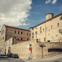 Scuola Dante Alighieri Recanati-Il palazzo