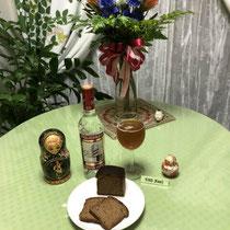⑧ ロシアの伝統飲料クワス、ウォッカ、黒パン